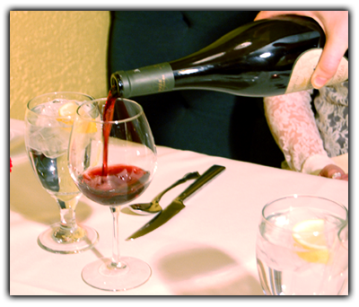 Enjoy excellent wines at Grimaldi's Luna Park!